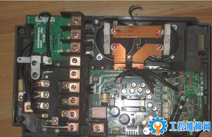 三菱变频器报警EUVT低压故障维修
